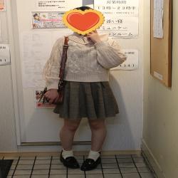 みか(18、156㎝、ロリスレンダー)